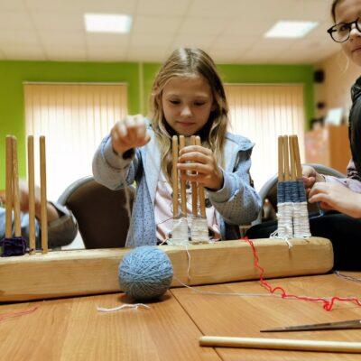 nauka tkania przez dzieci