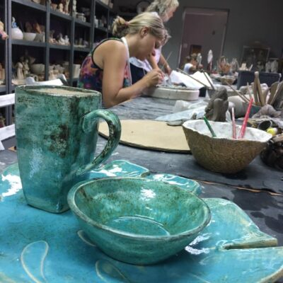 ceramiczna miseczki i kubki