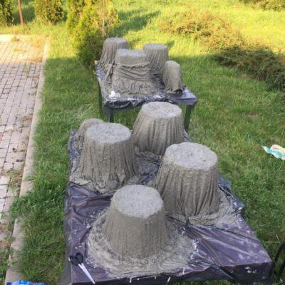 cementowe donice w trakcie pracy